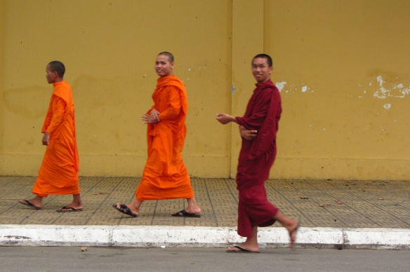 Monks in front of the Royal Palace in Phnom Penh.