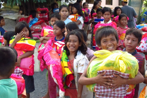 The APCA kids were so excited to receive brand new pillows and towels, generously donated by Australian volunteers Cheryl and Kelsee.